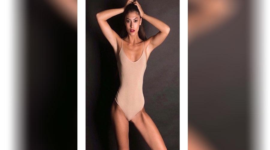 Έβι μοντέλο γυμνό