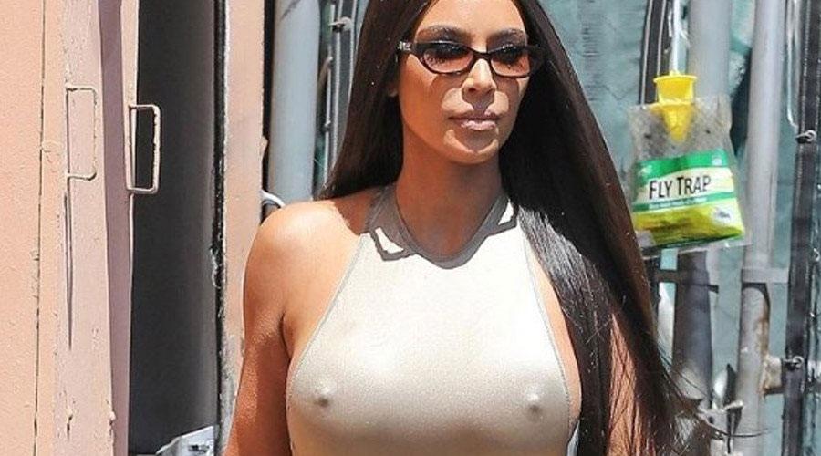 """Πάλι κάτι """"ξέχασε"""" να φορέσει η Kim Kardashian (ΦΩΤΟ)"""